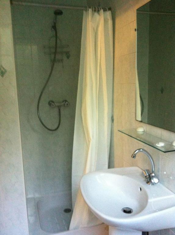 Salle d'eau côté douche