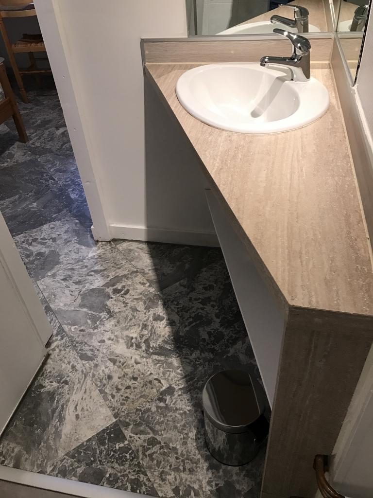 s12 salle d'eau lavabo