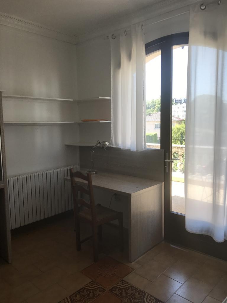 Studio meublé s13 bureau