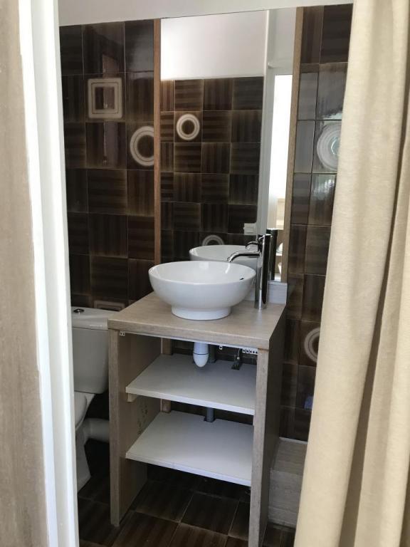 Studio meublé s8 salle d'eau et wc