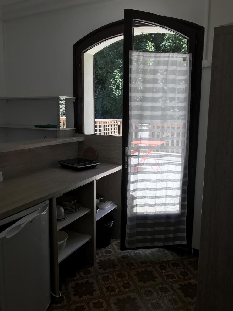 Studio meublé s8 porte fenêtre nord est