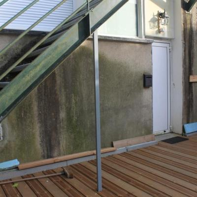 Terrasse privative + porte d'entrée