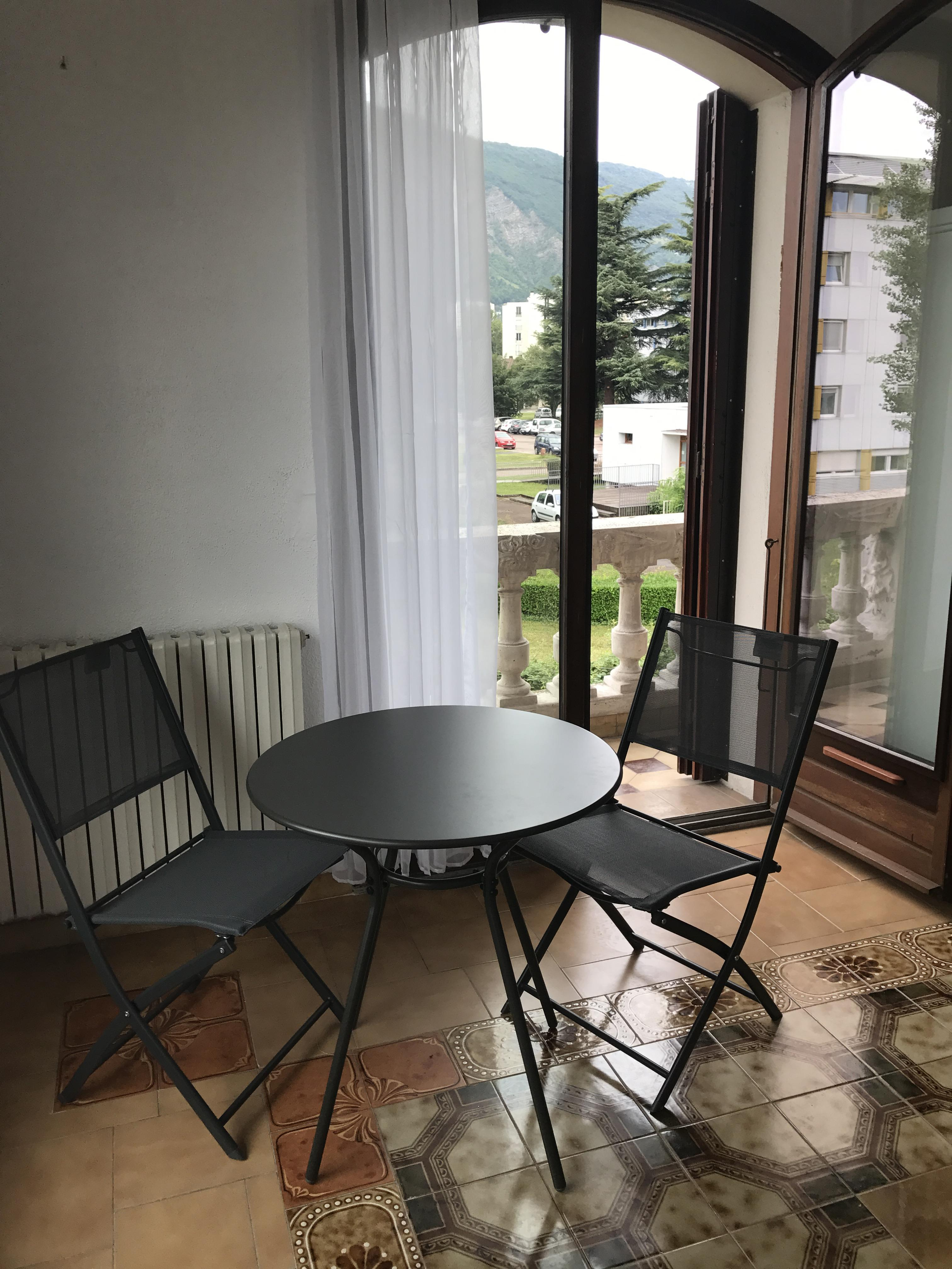 s15-table