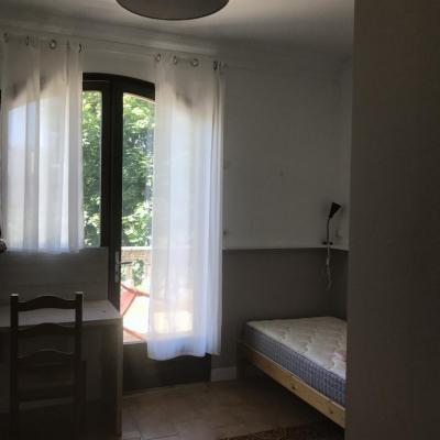 Studio meublé s13 porte fenêtre